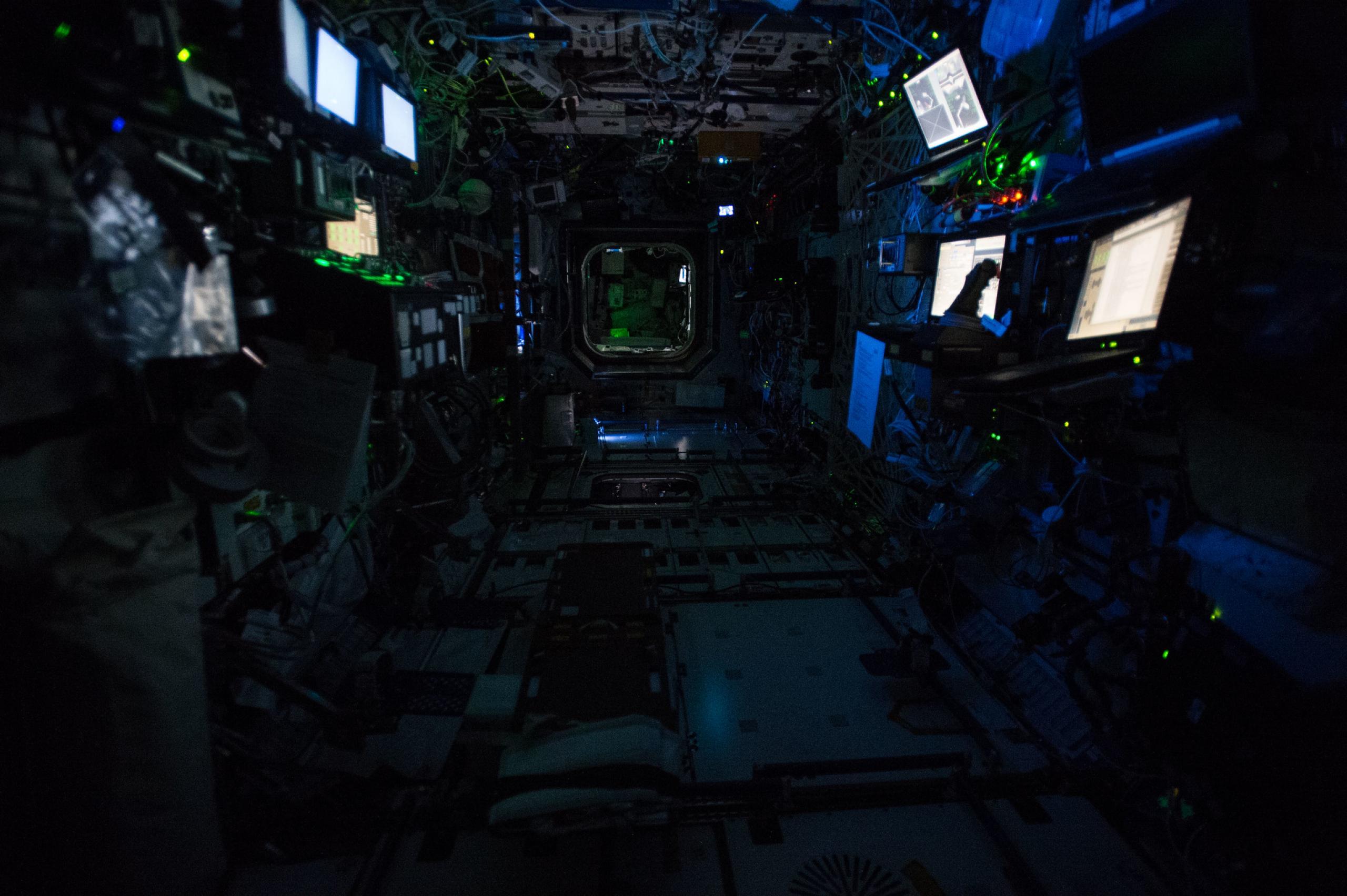 Noche a bordo de la ISS