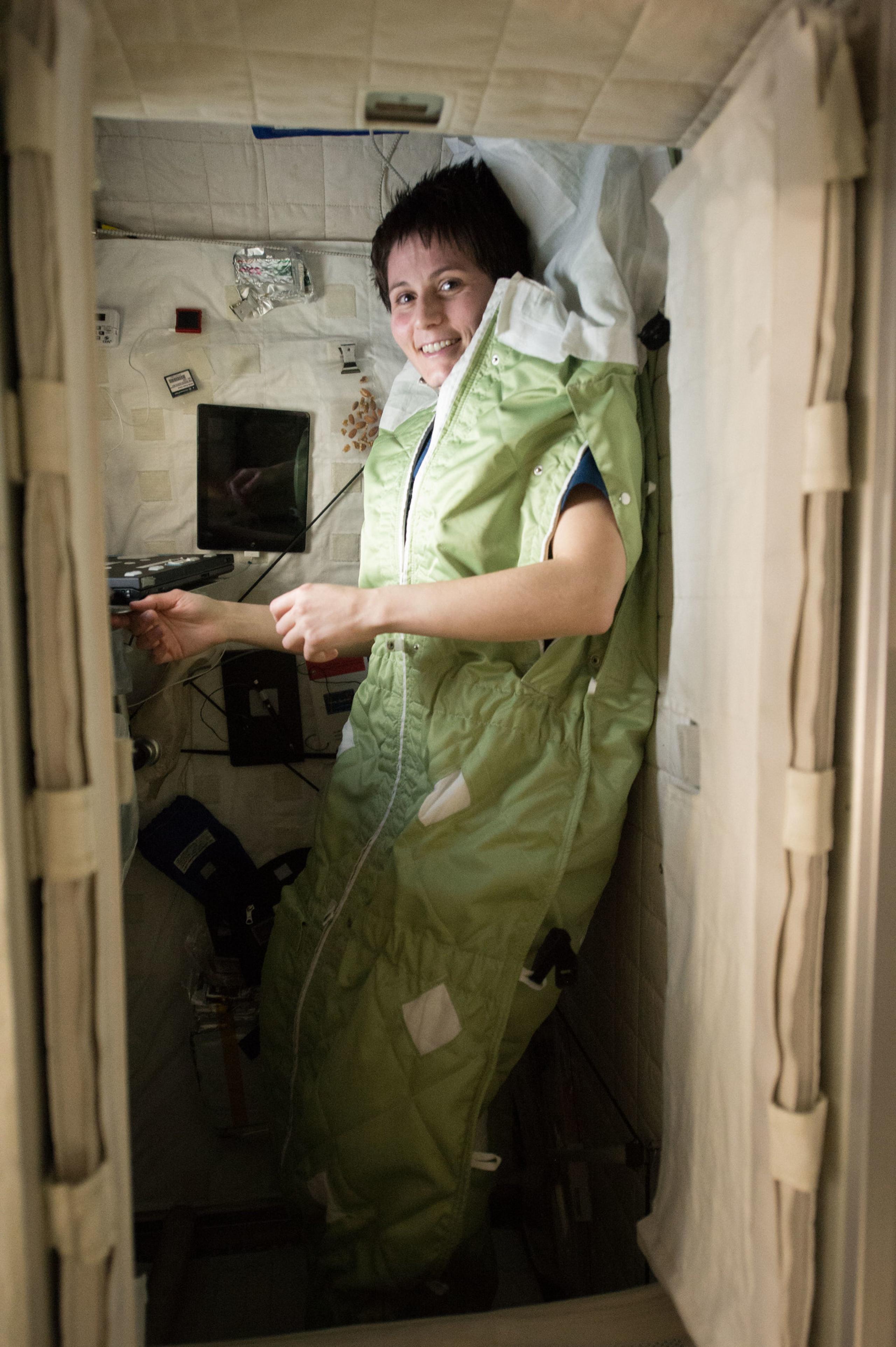 Astronauta de ESA en cuarto personal en la ISS