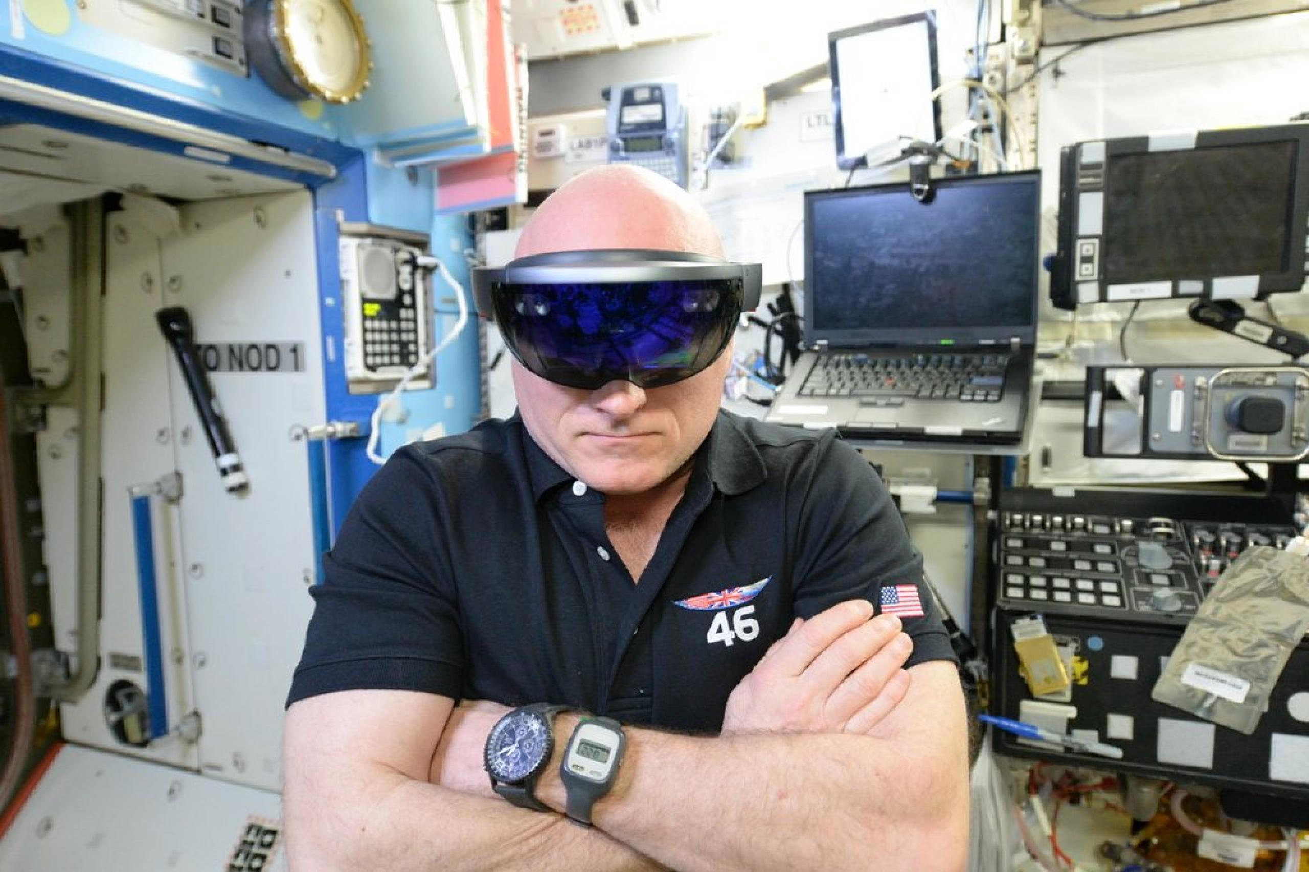 imagen de un astronauta usanda gafas de VR