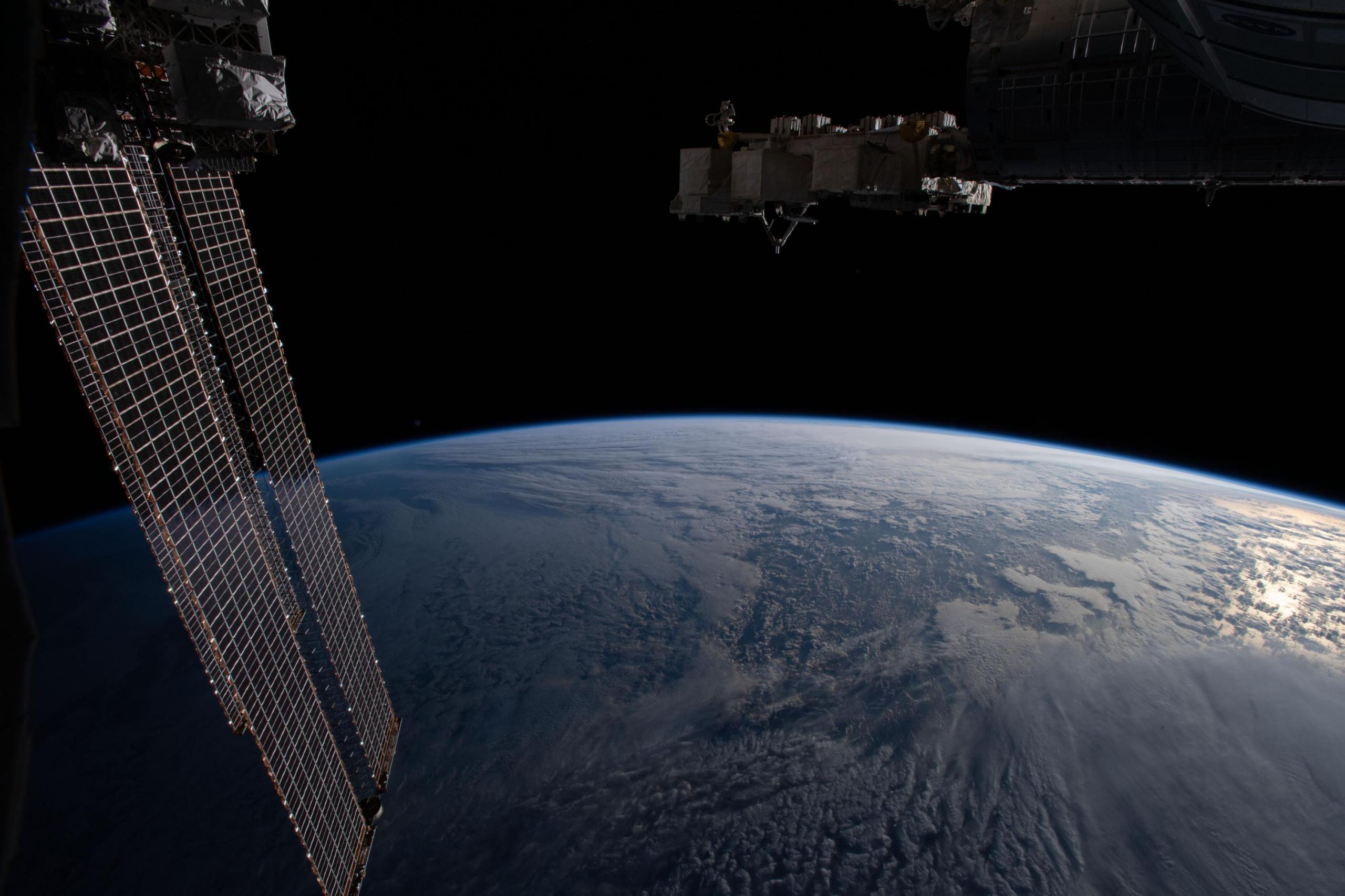 El horizonte de la Tierra visto desde la estación espacial