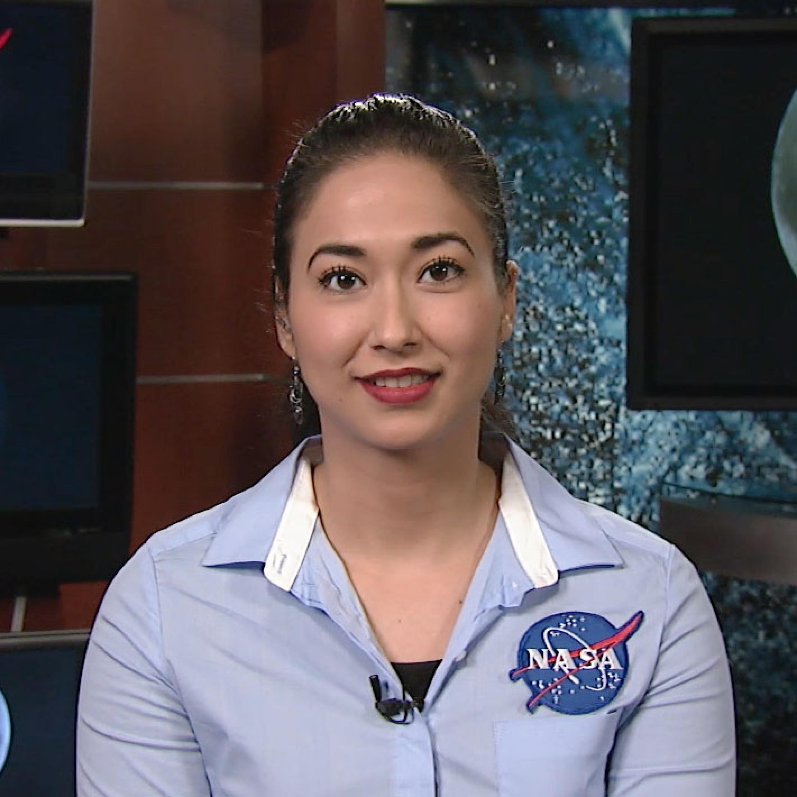 Retrato de Nayi Castro, gerente de operaciones de la misión OSIRIS-REx