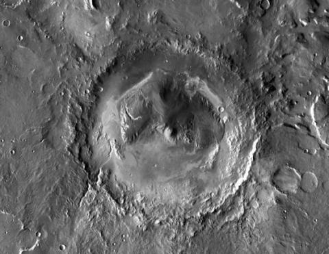 Curiosity's Daring Landing (gale crater, 558px)