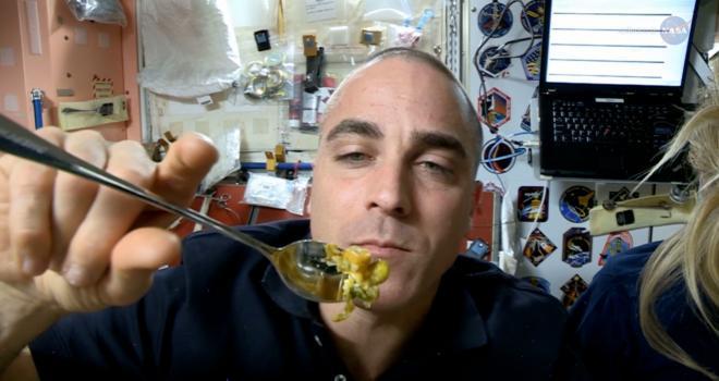 La relación entre una misión de exploración exitosa y una nutrición equilibrada es vital en la extrema amplitud del espacio exterior.
