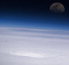 122707main_hurricane_emily1_516_med3.jpg