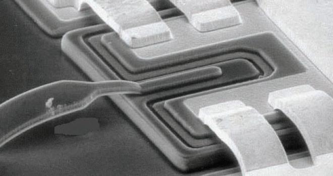 Close-up of a Schottky diode, showing the air-bridge that connects the anode