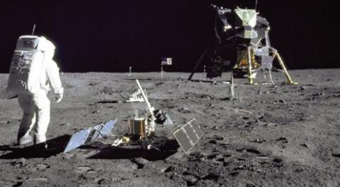 aldrinseismometer_apollo11_strip3.jpg
