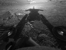 Dramatic snapshot of Mars rover Opportunity's shadow