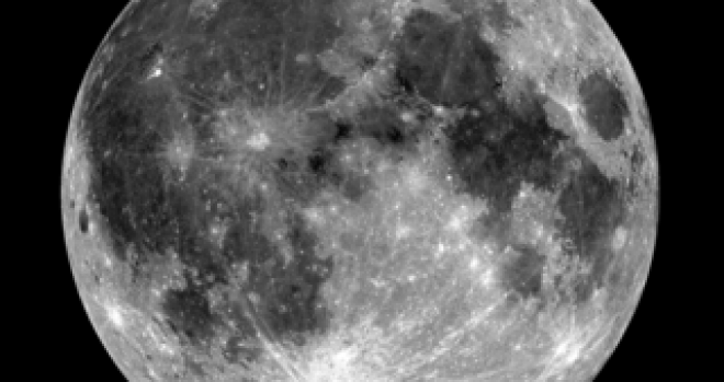 Moon: Ilmenite Seen with Ultraviolet Light