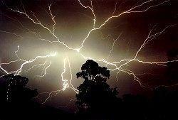 australia_lightningrev.jpg