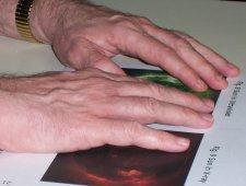hands_on4_med2.jpg