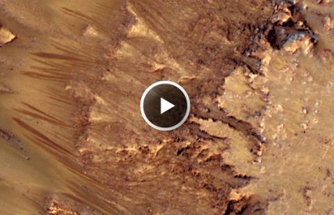 Salt Water on Mars (flows, 558px)