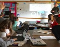 Dr. Czajkowski presents to elementary school students.