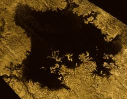 Photo of body of liquid on Saturn's moon Titan