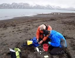 Biologist Fabrice Genevois & teacher Laura Schetter collecting data in Antarctica