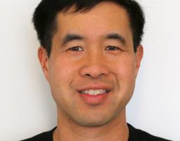 Portrait Photo of Terry Fong